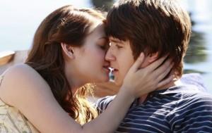 Долгожданный поцелуй двух главных персонажей